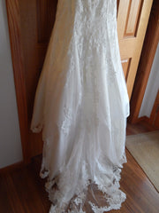 Allure Bridals 'Strapless Lace' size 8 new wedding dress view of train