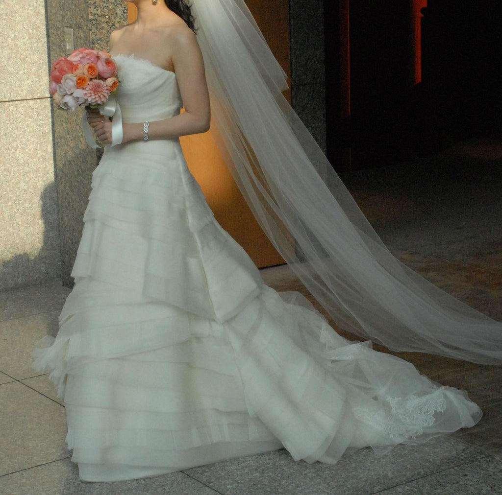 Vera Wang Luxe Kimberly Wedding Dress - Vera Wang - Nearly Newlywed Bridal Boutique - 3