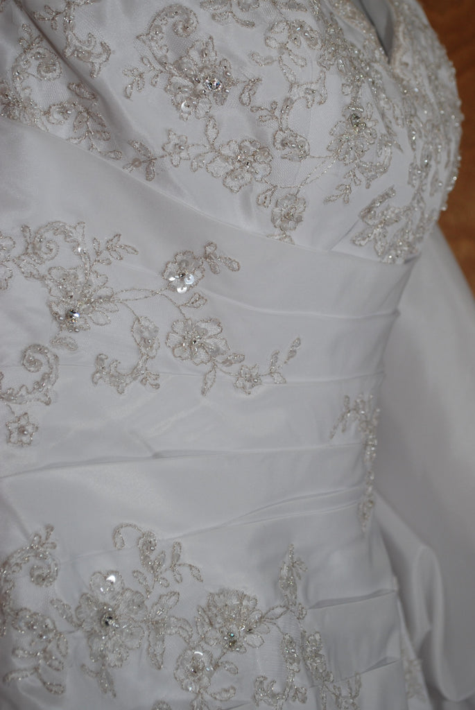 David's Bridal '9606' size 12 used wedding dress view of beading