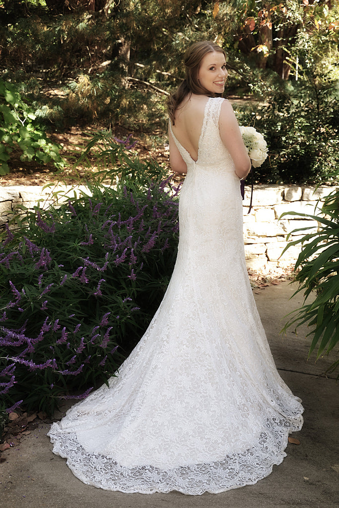 David S Bridal All Over Beaded Lace Trumpet Gown Size 4 Used