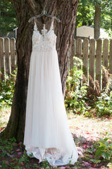 Stella York '6555 IV' size 4 new wedding dress front view on hanger