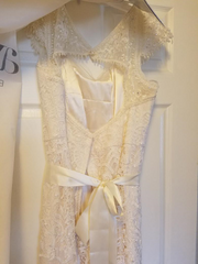Melissa Sweet 'Vintage Lace' size 18 used wedding dress back view on hanger