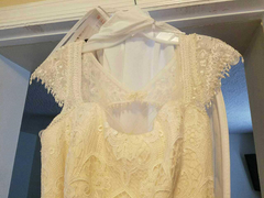 Melissa Sweet 'Vintage Lace' size 18 used wedding dress front view close up on hanger