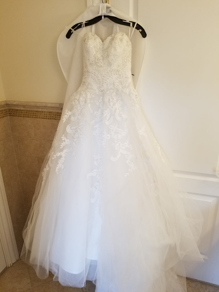 Casablanca 'Juniper' size 4 used wedding dress front view on hanger