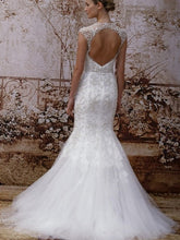 Load image into Gallery viewer, Monique Lhuillier 'Adele' - Monique Lhuillier - Nearly Newlywed Bridal Boutique - 1