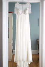 Load image into Gallery viewer, Jenny Packham 'Genevieve' - Jenny Packham - Nearly Newlywed Bridal Boutique - 4