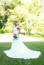 Load image into Gallery viewer, Marchesa 'B90801' - Marchesa - Nearly Newlywed Bridal Boutique - 1
