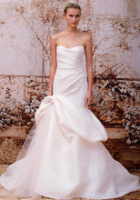 Load image into Gallery viewer, Monique Lhuillier 'Madison' - Monique Lhuillier - Nearly Newlywed Bridal Boutique - 1