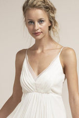 Saja 'HB6622' size 2 used wedding dress front view close up on model