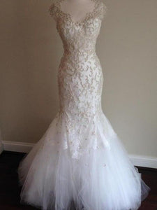 Monique Lhuillier 'Adele' - Monique Lhuillier - Nearly Newlywed Bridal Boutique - 4