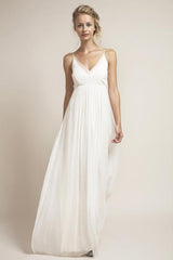 Saja 'HB6622' size 2 used wedding dress front view on model