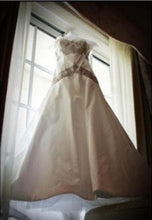 Load image into Gallery viewer, Kenneth Pool 'Glissade' - Kenneth Pool - Nearly Newlywed Bridal Boutique - 4
