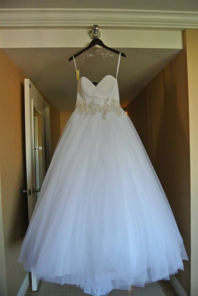 Allure '9022' size 8 used wedding dress front view on hanger