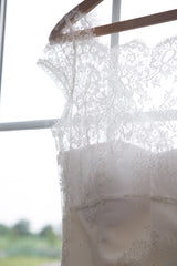 Rebecca Schoneveld 'Julie' size 8 used wedding dress view of bodice lace