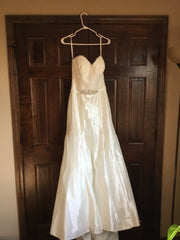 Allure '2803' size 10 new wedding dress front view on hanger