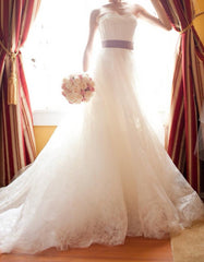 Vera Wang 'Hannah' size 0 used wedding dress front view on bride