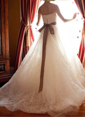 Vera Wang 'Hannah' size 0 used wedding dress back view on bride