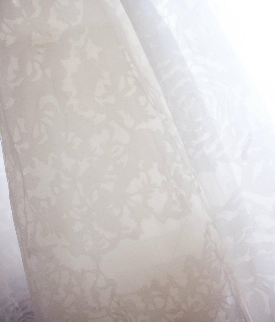 Vera Wang 'Hannah' size 0 used wedding dress view of fabric