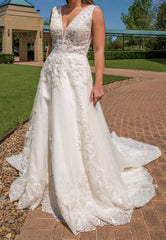Maggie Sottero 'Alba' size 4 new wedding dress front view on bride