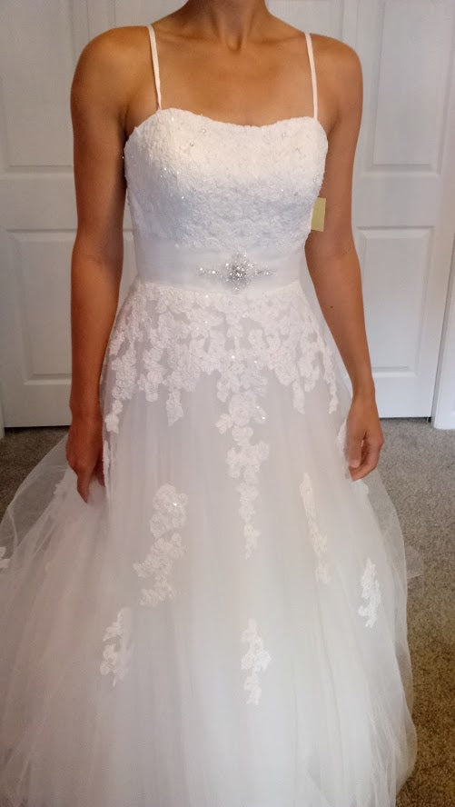 b784fce66ae Venus  AT4562  size 6 new wedding dress - Nearly Newlywed