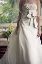 Load image into Gallery viewer, Vera Wang Domonique Silk A-line Wedding Dress - Vera Wang - Nearly Newlywed Bridal Boutique - 1