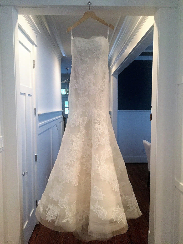 Vera Wang 'Leda' size 6 used wedding dress front view on hanger