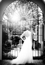 Load image into Gallery viewer, Monique Lhuillier 'Harper' - Monique Lhuillier - Nearly Newlywed Bridal Boutique - 1