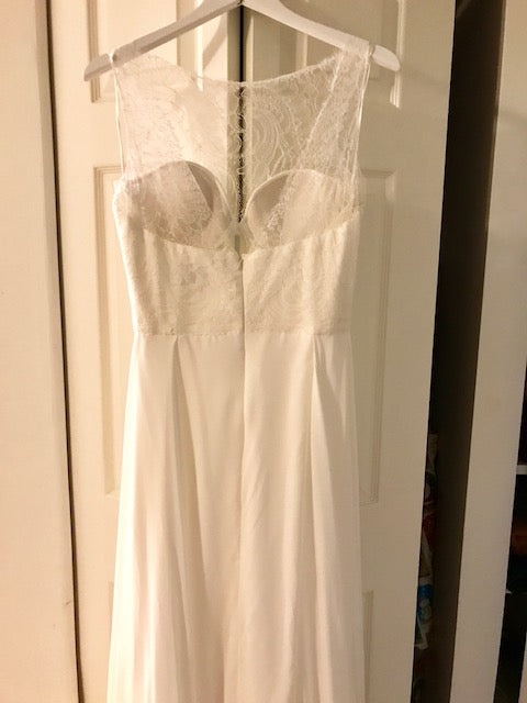 Sarah Seven 'Vienna' size 6 new wedding dress back view on hanger