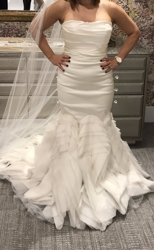 Vera Wang 'Ethel' size 8 new wedding dress front view on bride