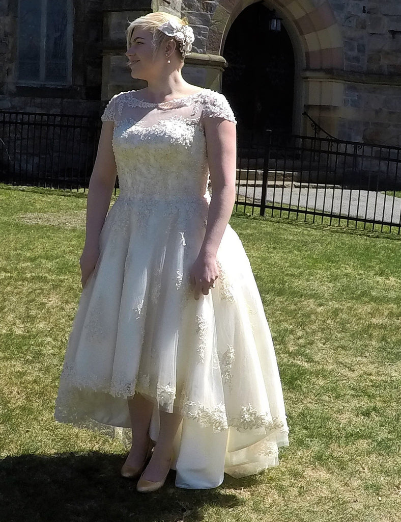 House of Mooshki 'Bespoke Alice' size 12 new wedding dress front view on bride