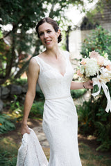 Mikaella '2016' size 4 used wedding dress front view on bride