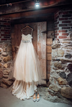 Load image into Gallery viewer, Janay A. 'Prairie Rose' - janay a. - Nearly Newlywed Bridal Boutique - 1