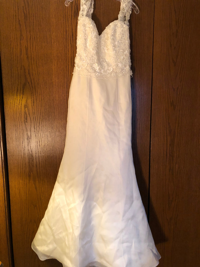 Exquisite Bride 'Portia' size 10 new wedding dress front view on hanger