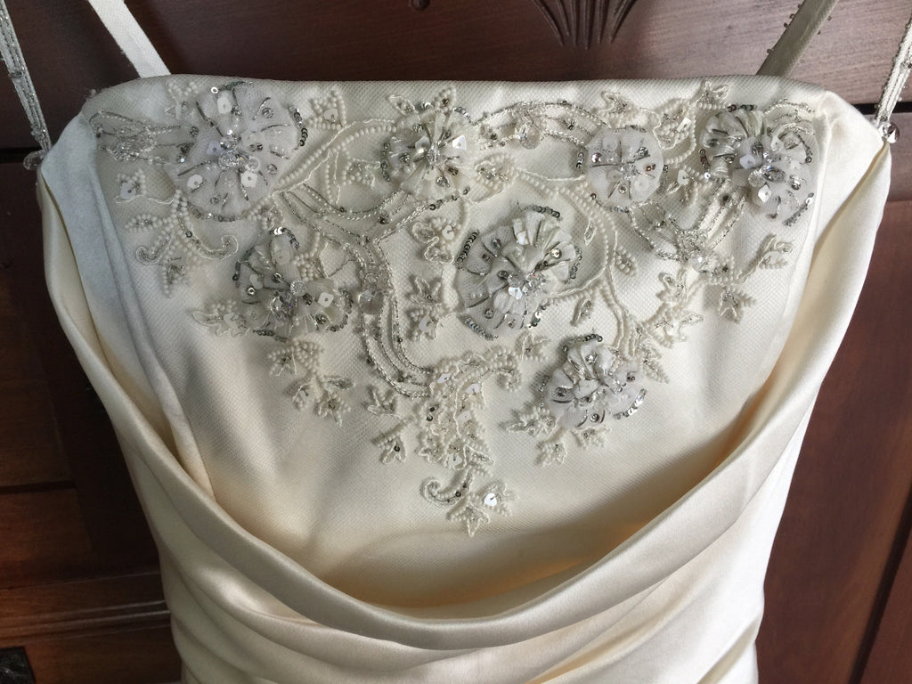 Yolanda 'Irene' size 8 used wedding dress front view of bodice