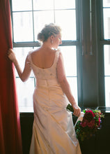 Load image into Gallery viewer, Anne Barge 'Blaine' - Anne Barge - Nearly Newlywed Bridal Boutique - 3