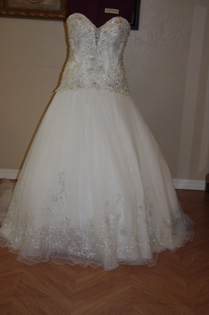 Allure 'C 222' - Allure - Nearly Newlywed Bridal Boutique - 1