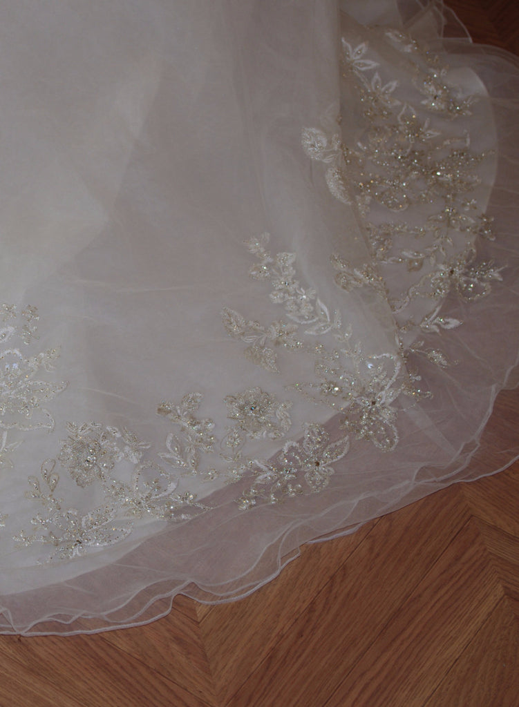 Allure 'C 222' - Allure - Nearly Newlywed Bridal Boutique - 4
