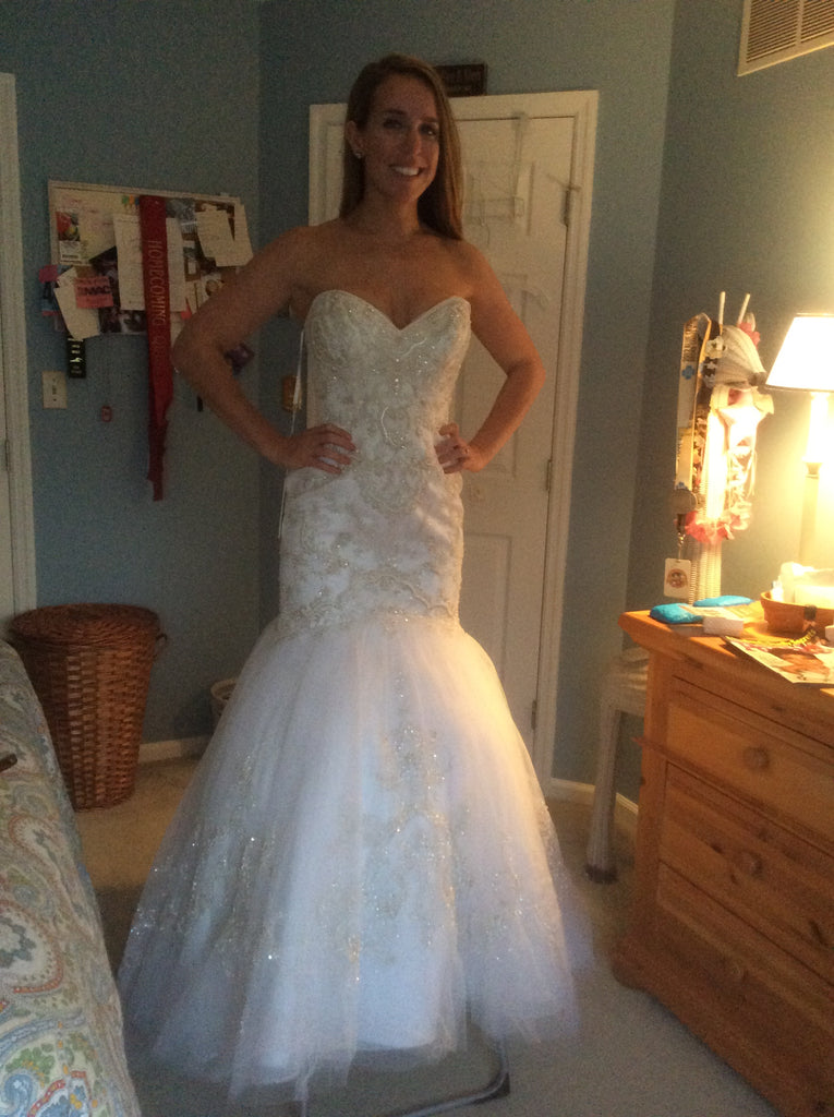 Casablanca '2197' size 8 new wedding dress front view on bride