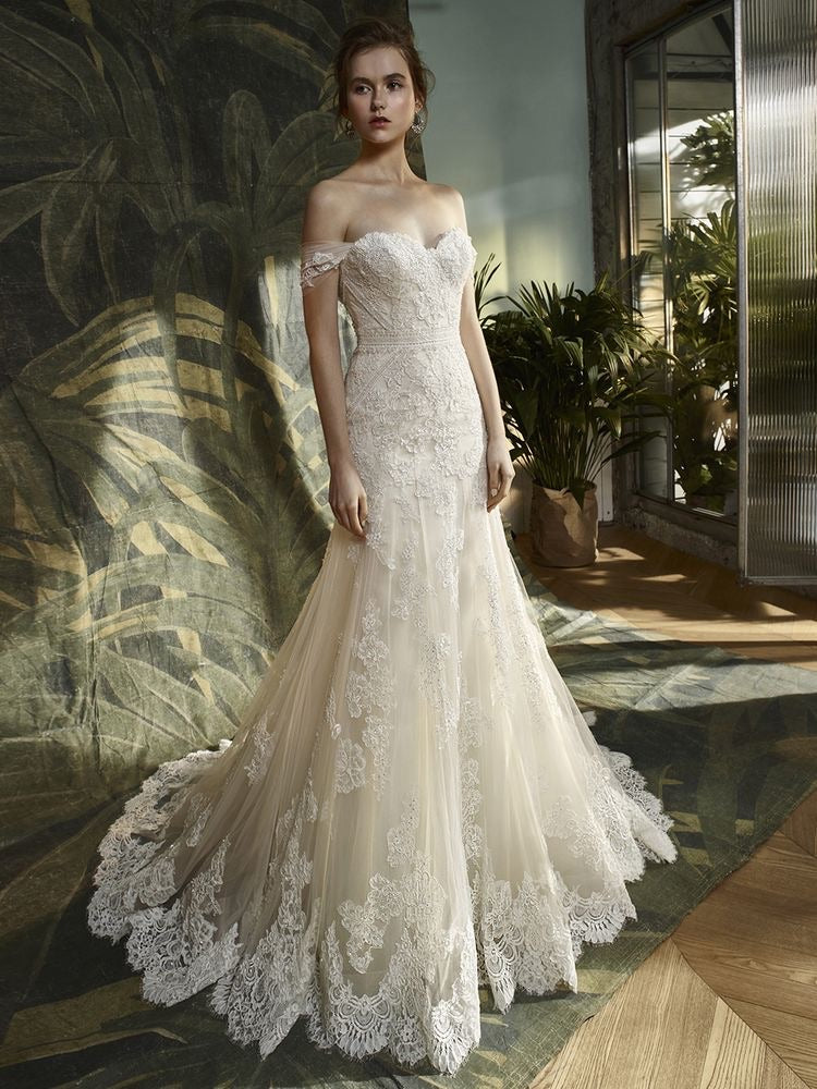 Enzoani 'Kara' size 6 new wedding dress front view on model