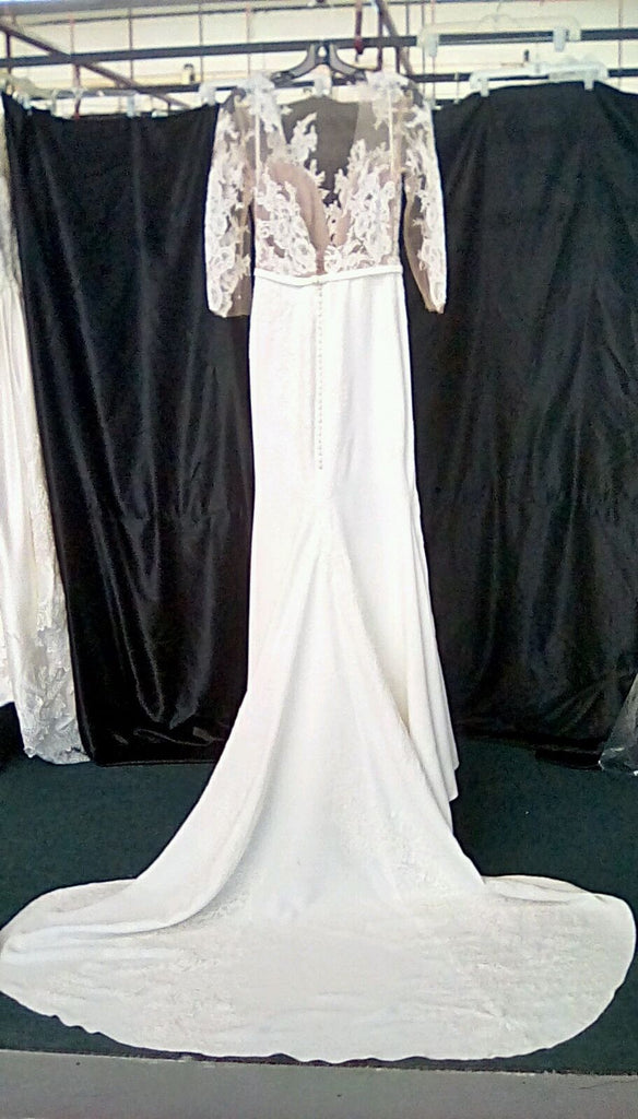 Pronovias 'Vincenta' size 4 used wedding dress back view on bride