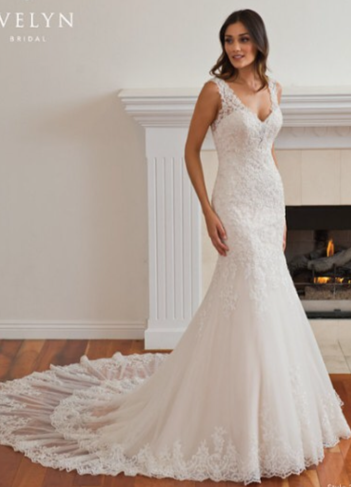 Custom boutique 39 290 39 size 8 used wedding dress nearly for Resell your wedding dress
