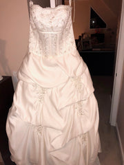 Forever Yours 'Gorgeous' size 12 new wedding dress front view on hanger