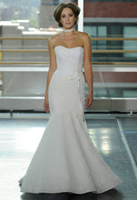 Load image into Gallery viewer, Rivini 'VALEnTINA' - Rivini - Nearly Newlywed Bridal Boutique - 1
