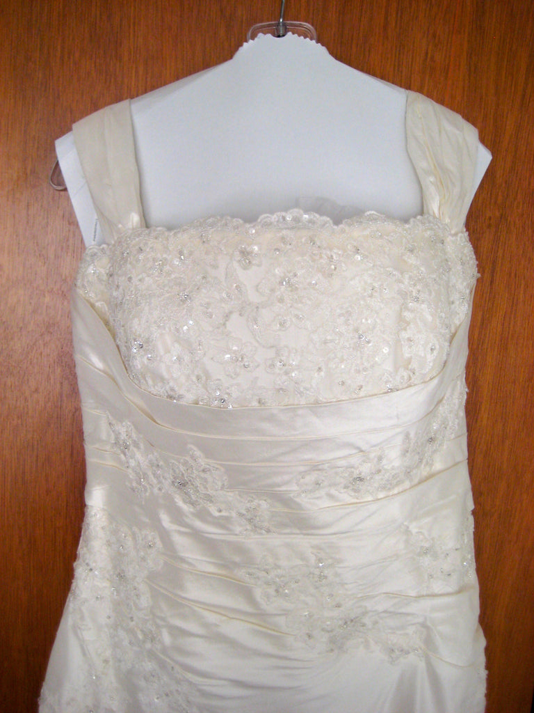 Pronovias \'Ipanema\' size 16 new wedding dress - Nearly Newlywed