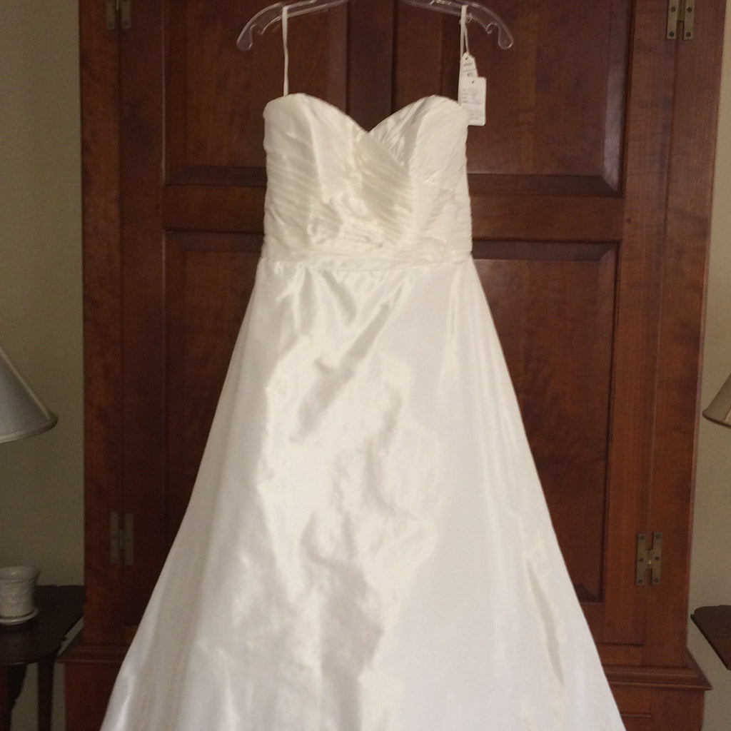 Judd Waddell Custom - Judd Waddell - Nearly Newlywed Bridal Boutique - 3