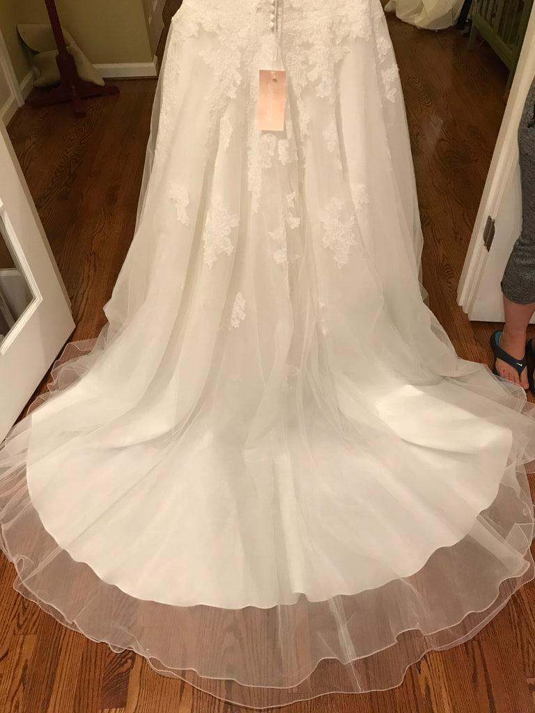 Sweetheart 39 alencon lace 39 size 8 new wedding dress for Nearly new wedding dresses