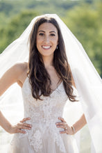 Load image into Gallery viewer, Monique Lhuillier 'Severine' - Monique Lhuillier - Nearly Newlywed Bridal Boutique - 6