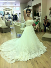 Load image into Gallery viewer, Ghislaine - Enzoani - Nearly Newlywed Bridal Boutique - 2
