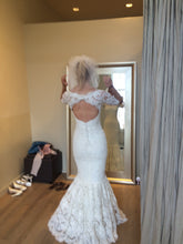 Load image into Gallery viewer, Marchesa lace 3/4 sleeve mermaid - Marchesa - Nearly Newlywed Bridal Boutique - 3