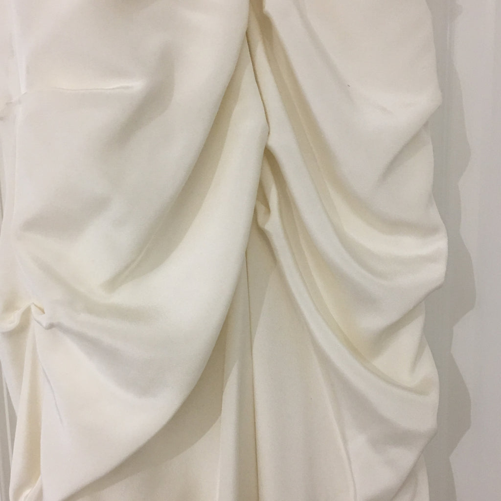 Nicole Miller 'Strapless Ruched' size 12 sample wedding dress close up of fabric